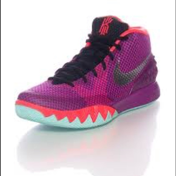 free shipping 01f0b 961d8 Nike J.B.Y. Kyrie Irving 1 Basketball Sneakers